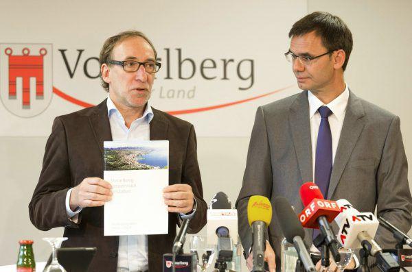 Johannes Rauch (l.) und Markus Wallner stellten das gemeinsame Regierungsprogramm vor.ApA, NEUE Archiv (3)