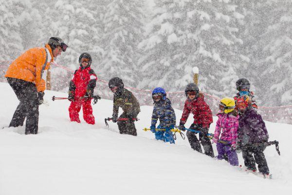 Kinder sollen an den Skisport herangeführt werden.Archiv