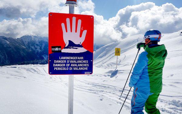 Lawinen-Warnungen in Skigebieten müssen ernst genommen werden.APA