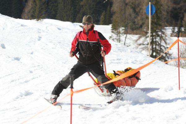 Lieber den Skitag abkürzen als es übertreiben, raten Experten.©Maurice Shourot, Symbolbild