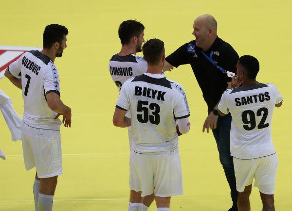 Teamchef Patrekur Johannesson (in Schwarz) will auch für gute Stimmung sorgen.Gepa
