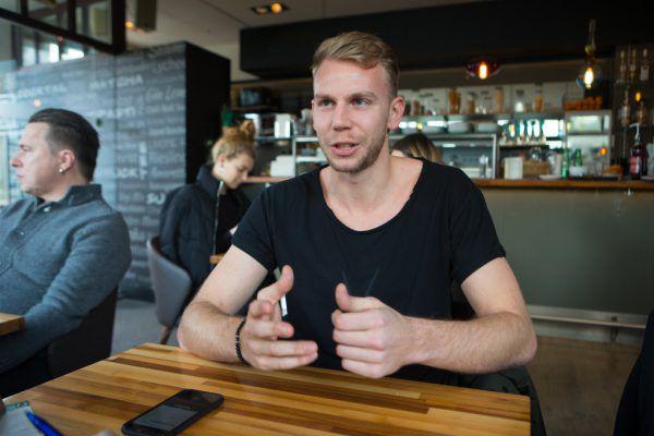 Trotz der erhöhten Verletzungsgefahr spielt Marco Pichler gerne in der Halle. Der Spaß ist bei ihm der ausschlaggebende Faktor. Klaus Hartinger