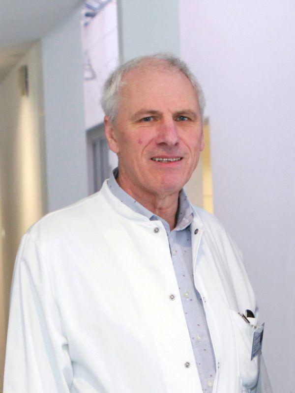 Wolfgang Elsäßer bleibt Chefarzt am LKH Feldkirch.KHBG