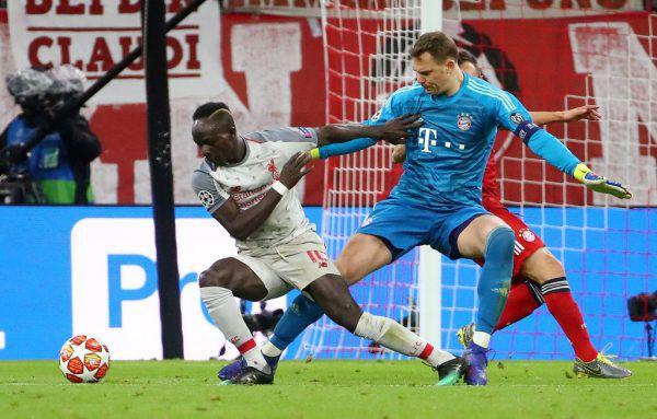 Beim 1:0 ließ Sadio Mane (l.)Bayern-Keeper Manuel Neuer schlecht ausschauen.Reuters