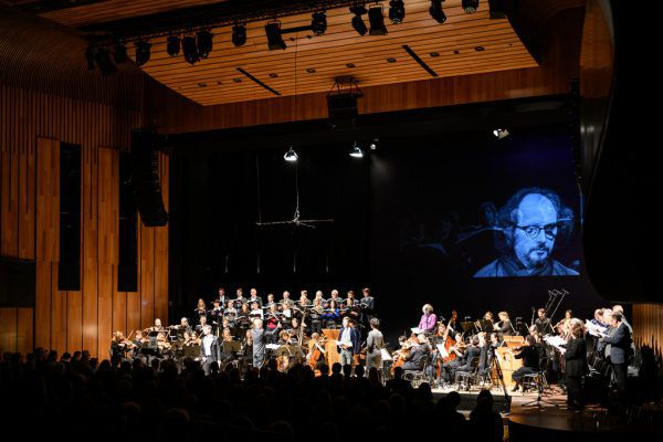 Die Matthäus-Passion im Feldkircher Montforthaus. Links: Benjamin Lack und Miriam Feuersinger. Matthias Rhomberg (2)