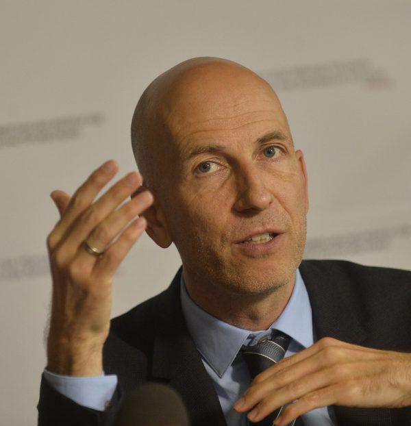 IHS-Chef Martin Kocher ist Ökonom und Professor für Volkswirtschaftslehre an der Uni Wien.apa