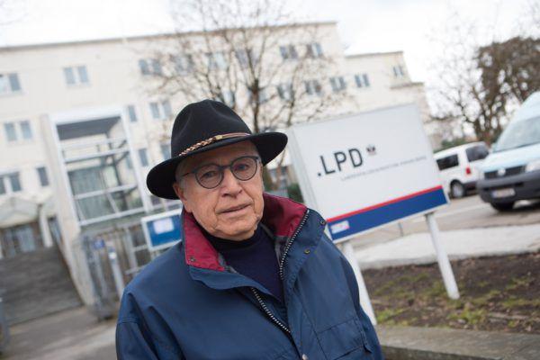 Zwei Mal war Manfred Bliem auf UNO-Mission – im Bild vor wenigen Tagen vor seinem langjährigen Arbeitsplatz in Bregenz.Klaus Hartinger