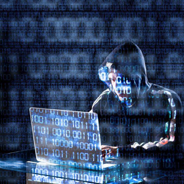 Durch sogenanntes AdCloaking kommen Betrüger an Adressen und Telefonnummern von Internetnutzern.  Symbolfoto/Shutterstock