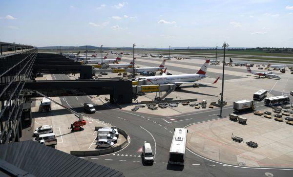 Streik droht am Flughafen Schwechat in Wien. Helmut Fohringer