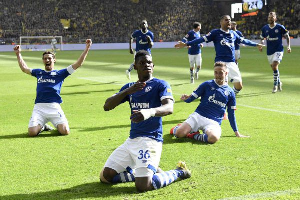 Schalke feiert auswärts einen 4:2-Erfolg gegen den BVB.apa