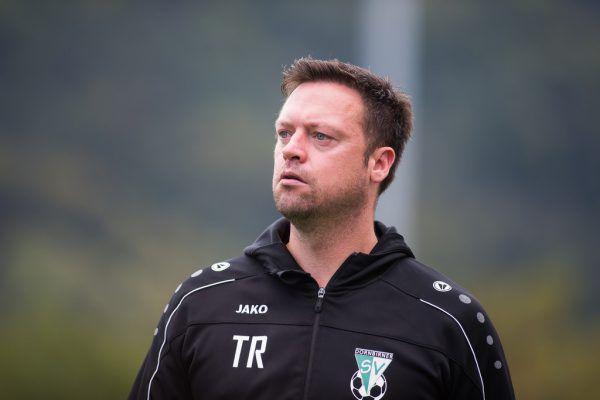 Vinicius Maciel Gomes (l.) hat 13 Saisontore für den FC Lauterach erzielt. Das erste Trainerduell zwischen Thomas Bayr (oben) und Sebastian Trittinger (unten) ging an den Lauteracher.Steurer, Oliver Lerch (2)