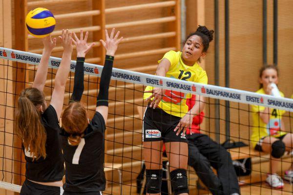 Das BG Bregenz (gelbes Trikot) konnte auf dem Weg ins Finale alle Partien gewinnen.© Lerch