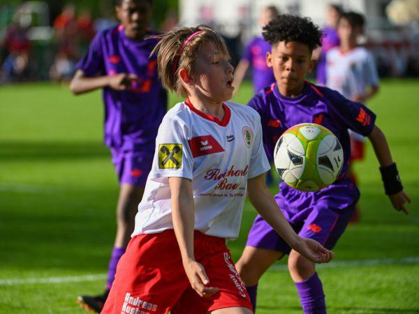 """Die Dornbirner maßen sich gestern mit Liverpool – und trugen gegen die """"Reds"""" rot.Lerch"""