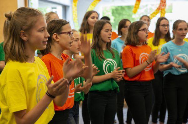 Die Schüler der Allgemeinen Sonderschule Dornbirn bei ihrer Performance. VLK