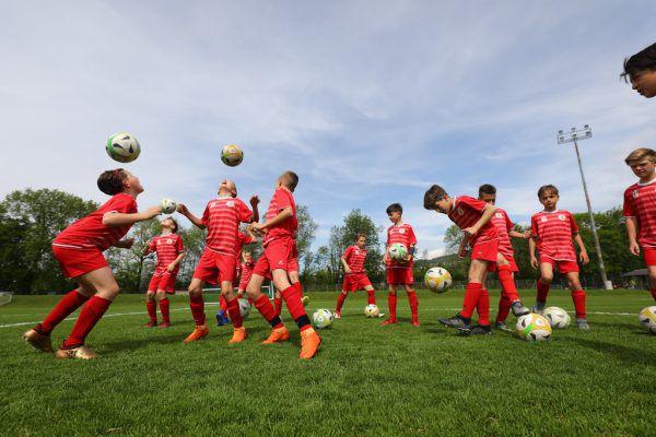 Dornbirns U12 bereitet sich mit viel Engagement und Freude auf die Champions Trophy vor. Klaus Hartinger