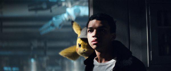 Pikachu und Tim suchen nach Harry Goodman.Warner Bros.