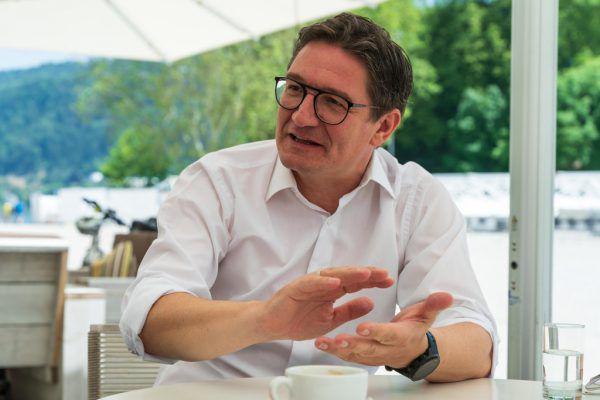 Reinhold Einwallner (Archivbild) musste bei der jüngsten Nationalratssitzung aufgrund der Maßnahmen gegen die Ausbreitung des Coronavirus auf der Galerie Platz nehmen.NEUE, APA