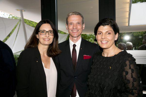 Die künftige Präsidentin des Rotary-Clubs Bregenz Martina Pointner, Präsident Thomas Klagian und die frühere Präsidentin Daniela Koller (v.l.).Rotary Club/Mathis (7)