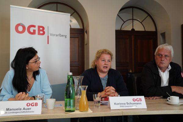 Manuela Auer, Korinna Schumann und Norbert Loacker äußerten die Wünsche des ÖGBs an die künftige Bundesregierung.ÖGB Vorarlberg