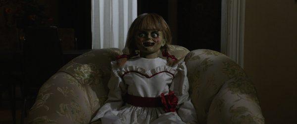 Die mysteriöse Puppe erwacht.
