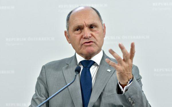 Nationalratspräsident Wolfgang Sobotka (ÖVP) ist Gastgeber. APA