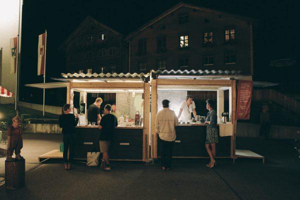 Der Kiosk im Einsatz.Neue-Archiv