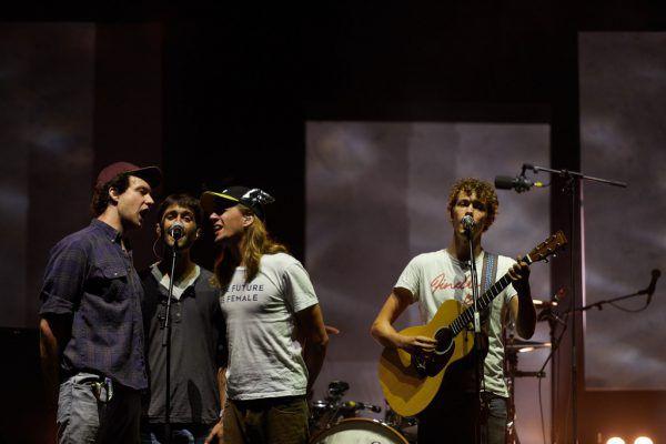 Die Band bei ihrem Szene-Auftritt. 2.v.l.: Christopher Annen.Rafael S. Roman