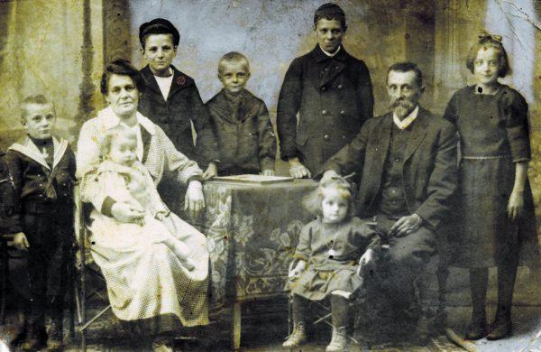 Familie Eduard Fritz im Jahr 1923.