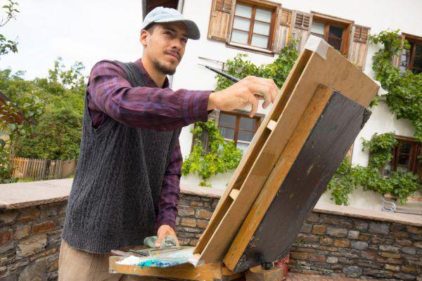 In Bludenz wurde der junge Mann von einem heimischen Künstler aufgenommen.Klaus Hartinger (2)