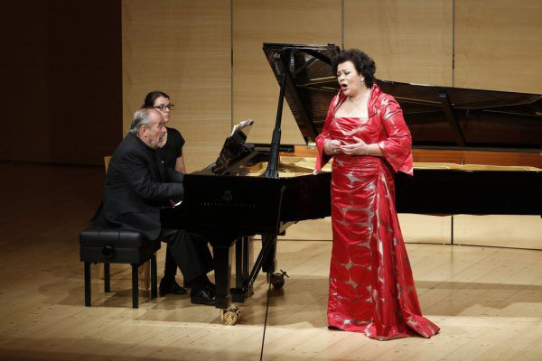 Lieder von Schubert, Strauss und Mahler standen auf dem Programm von Violeta Urmana und Helmut Deutsch.Schubertiade