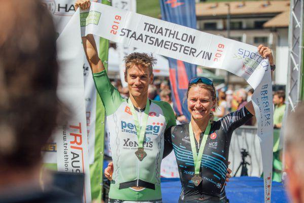 Thomas Bader und Sylvia Gehnböck freuten sich über die Meistertitel (oben) ebenso wie Daniela Ryf über den Gesamtsieg (unten).Sams (3)