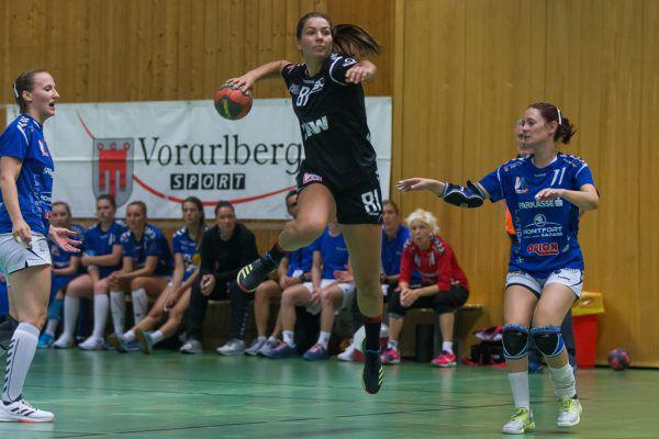 Adriana Marksteiner war mit neun Treffern die beste Werferin des Abends.Steurer