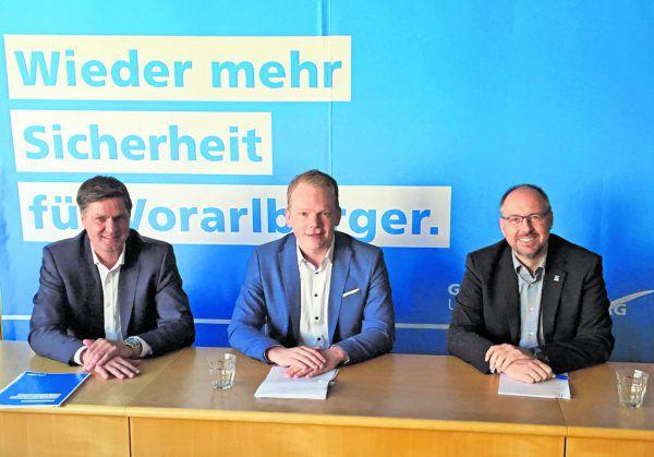 Daniel Allgäuer, Christof Bitschi und Joachim Fritz (v.l.) stellten den zweiten Teil des Wahlprogramms mit dem Thema Sicherheit vor.Rauch, Steurer