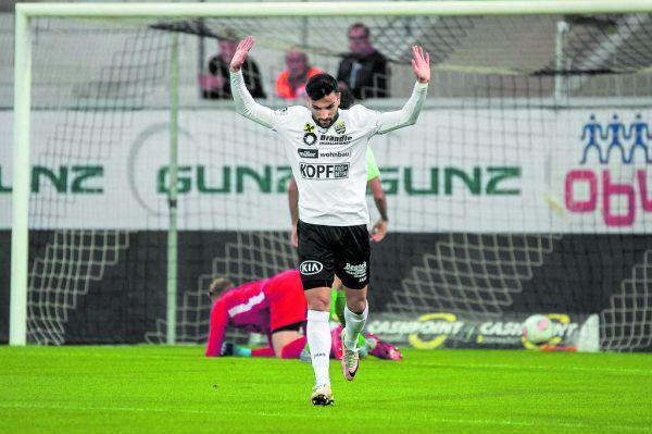 Der Altacher Akdeniz verzichtete nach seinem Treffer gegen seinen Ex-Klub auf den Jubel.Dietmar Stiplvosek