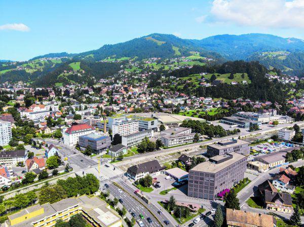 """Ein """"kleiner Turm"""" wird zur Erweiterung der FH Vorarlberg gebaut, wie es deren Geschäftsführer Stefan Fitz-Rankl am Dienstag formulierte.Cukrowicz Nachbaur, Hartinger"""