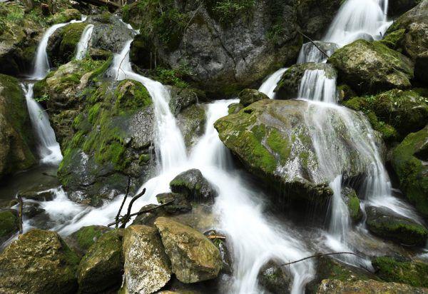 Der Wasserreichtum Vorarlbergs ist nicht nur ein Segen, sondern bringt auch Gefahren mit sich, zumal es laut Klimaforschern in Zukunft immer mehr lokale Starkniederschläge im Sommerhalbjahr geben wird. APA