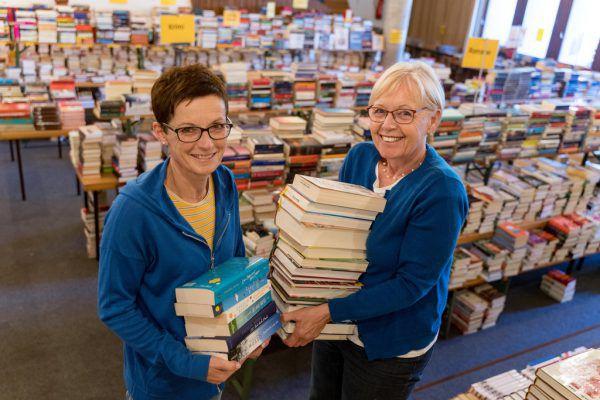 Birgit Kramer (gr. Bild, links) und Maria Witwer sind gemeinsam mit weiteren Helfern seit Juni mit den Vorbereitungen beschäftigt.Dietmar Stiplovsek