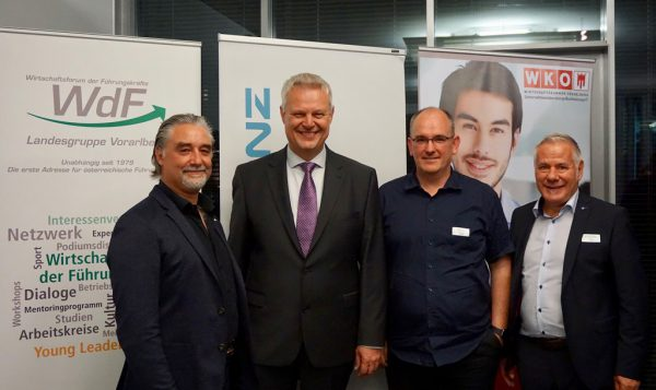 Initiator Michael Defranceschi, Referent Wolfgang Hödl, Christian Bickel (FG) und Michael Walser (WdF/v.l.n.r.).Fachgruppe UBIT Vorarlberg