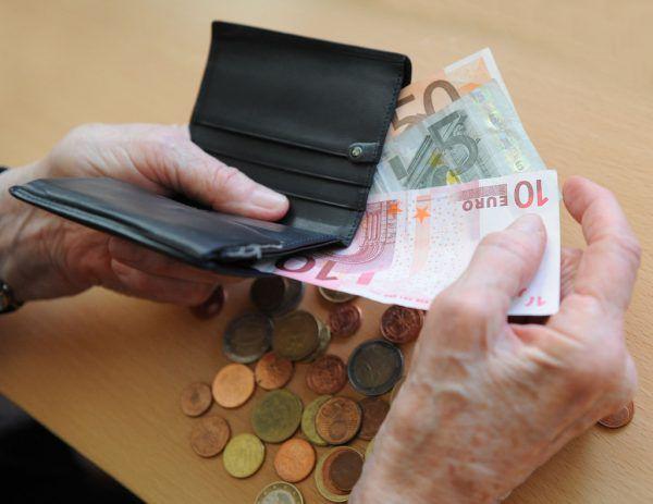 Nach Ansicht der Neos kommen die neuen Pensionsregelungen den Bürger teuer zu stehen.APA