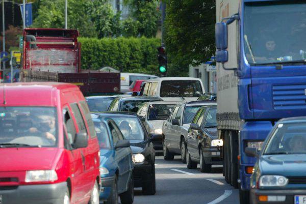Autofahren dürfe nicht noch mehr gefördert werden, meint Leserbriefschreiber Johannes Hartmann.Hofmeister