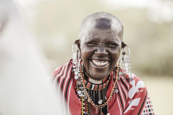 """Das Foto der Maasaifrau entstand für die Ausstellung """"Maasai-Baumeisterinnen aus Ololosokwan"""" im Frauenmuseum Hittisau.Nussbaumer (3)"""
