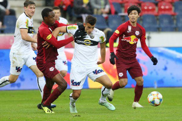 Das letzte direkte Duell in einem Pflichtspiel ist schon beinahe ein Jahr her. Anfang Dezember 2018 gewann Salzburg zu Hause nur mit 1:0 gegen die Rheindörfler.gepa
