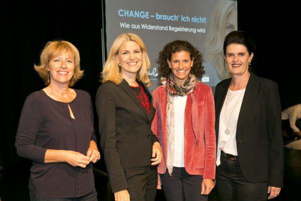 Das Organisationsteam mit der Referentin: Cornelia Ellensohn, Referentin Susanne Nickel, Barbara Dreher und Klaudia Forster (v.l.n.r.).Mathis Fotografie (7)