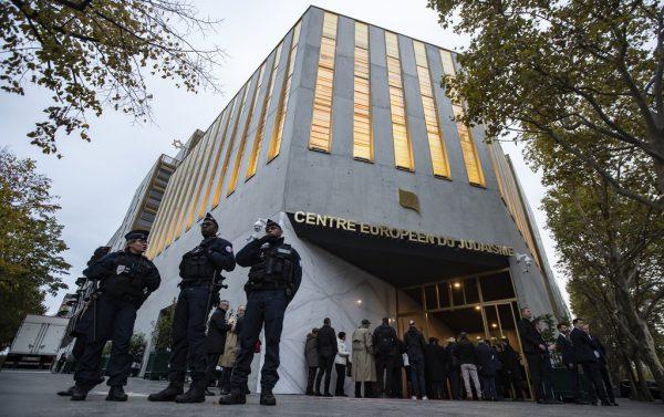 Das Zentrum wurde von Präsident Macron eröffnet.AP/Ian Langsdon
