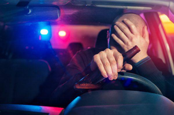 Der 17-Jährige war unerlaubt mit dem Pkw unterwegs.Symbolbild/Shutterstock