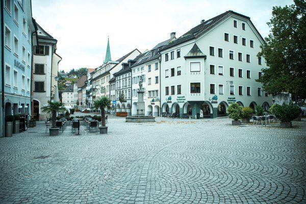 Die Fußgängerzone wurde im Juni mit Pauken und Trompeten eröffnet, seither ist es ruhig geworden in der Neustadt. Zu ruhig, finden die Geschäftsinhaber. hartinger