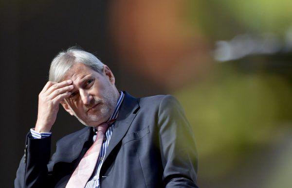 Drei Stunden lang muss Johannes Hahn den zuständigen Ausschüssen Rede und Antwort stehen.HERBERT NEUBAUER/APA