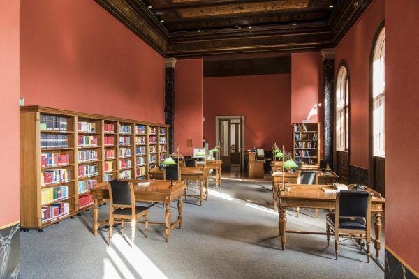 Lesesaal in der Bibliothek.Parlamentsdirektion/Michael Buchner