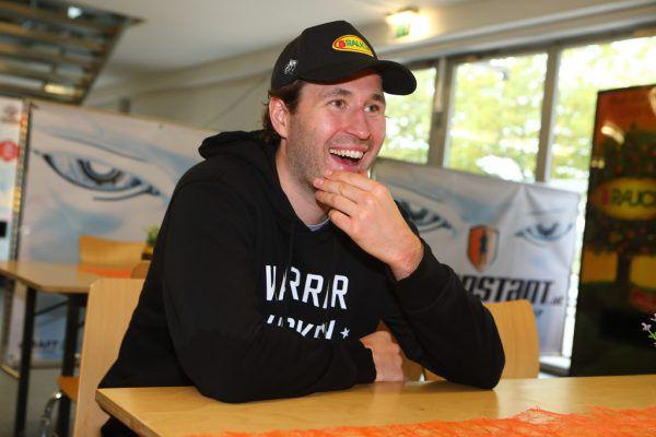 Mikko Vainonen hat trotz allem Spaß im Gespräch, hat mit minus eins die beste Plus-/Minusbilanz aller Bulldogs-Stammkräfte.Hartinger