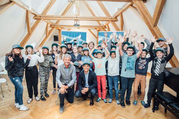Nicht nur die Schüler der Mittelschule Bregenz-Stadt haben Grund zur Freude: Künftig dürfen alle bis zu drei Mal Ski fahren gehen. sams